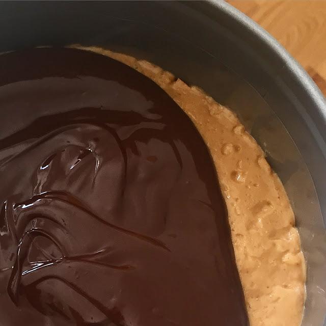 Nyttigare Snickerskaka /Jordnöts och chokladtårta