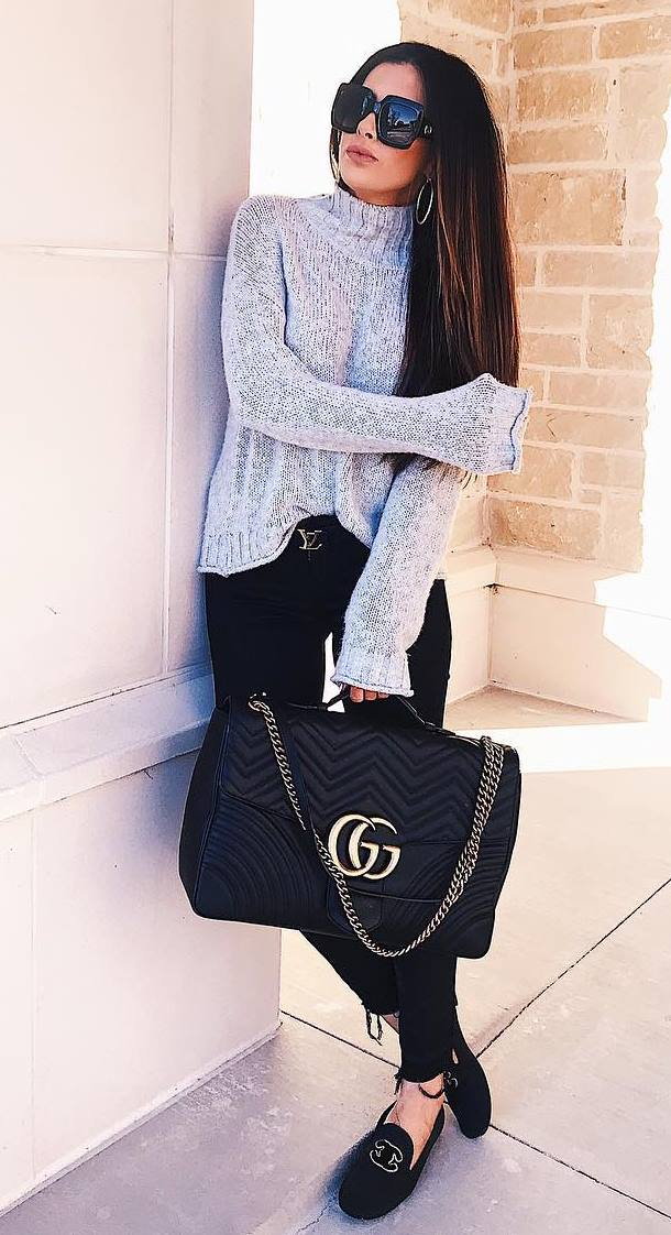 comfy look_knit sweater + black skinny jeans + bag + loafers