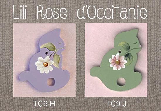 2 tri-fils bois peint, silhouette de chat ornée d'une fleur, coloris au choix. Broderie et point de croix