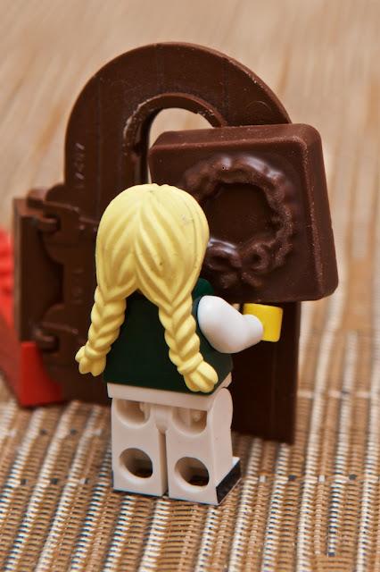 Lego - Advent Calendar - Calendrier de l'Avent - Couronne de l'Avent - Advent Crown - Door - Porte - Lego - Chocolat au lait