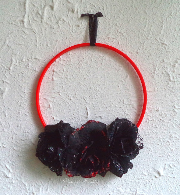 DIY Sewing Hoop Wreath
