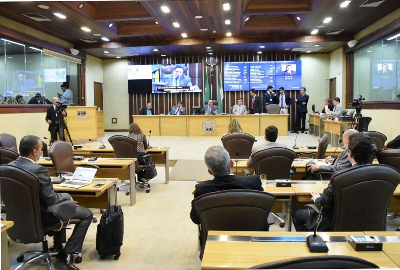 Resultado de imagem para assembleia legislativa rn plenário vazio