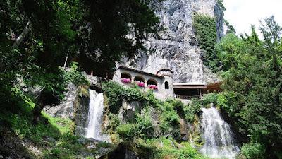 Walkway, St. Beatus Caves. Salah satu air terjun terindah di Eropa