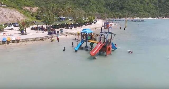 Water boom di pantai sari ringgung