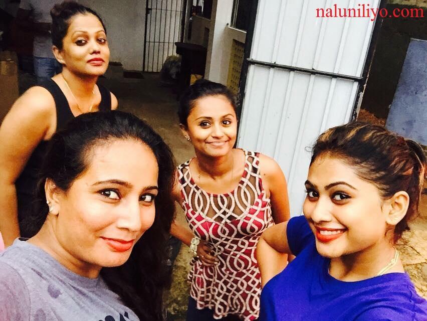 Piumi Hansamali Nipuni Wilson selfie photos