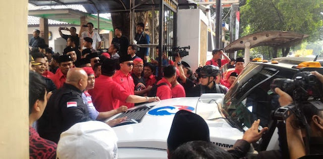 Sekjen Perindo: Ricuh Di KPU Gara-Gara Massa PDIP Memaksa Masuk
