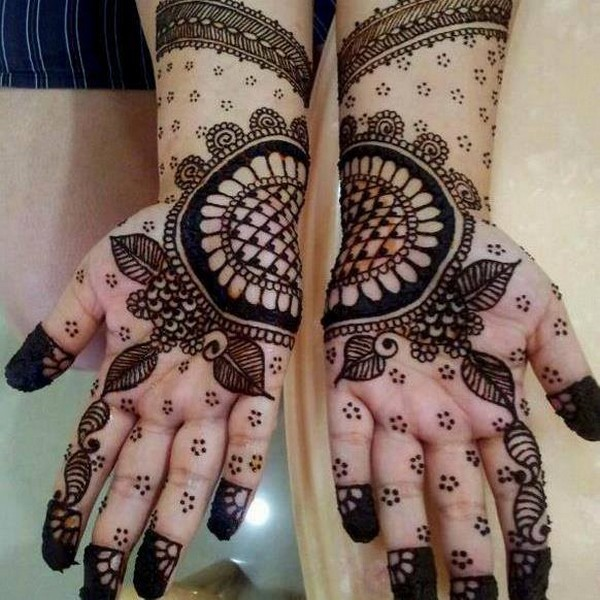 Latest-and-New-Attractive-and-Popular-Pakistani-Bridal-Mehndi-Designs