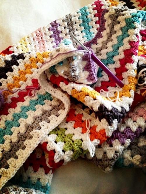 Modern Granny Stripe Blanket - Free Pattern