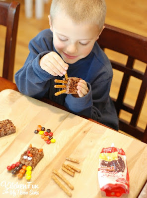 Easy Rice Krispie Turkey Treats for Thanksgiving from KitchenFunWithMy3Sons.com