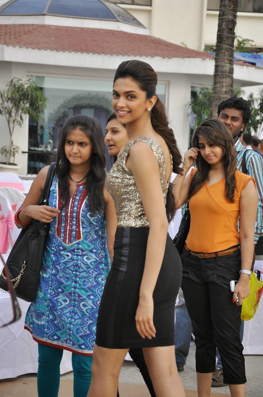 Deepika Padukone Hot Pictures latest - Sports Updates
