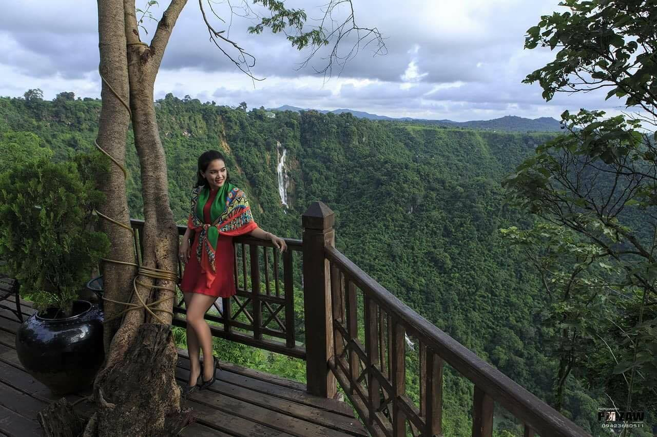 Aye Myat Thu In Red Outfit Look Amazing In Her Trip