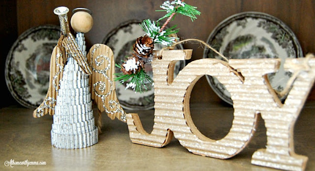 angles-decorations-holiday-plates-athomewithjemma