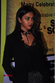 Actress Amala Paul Stills in Black Dress at South Scope Lifestyle Awards 2016 Red Carpet  0078.JPG
