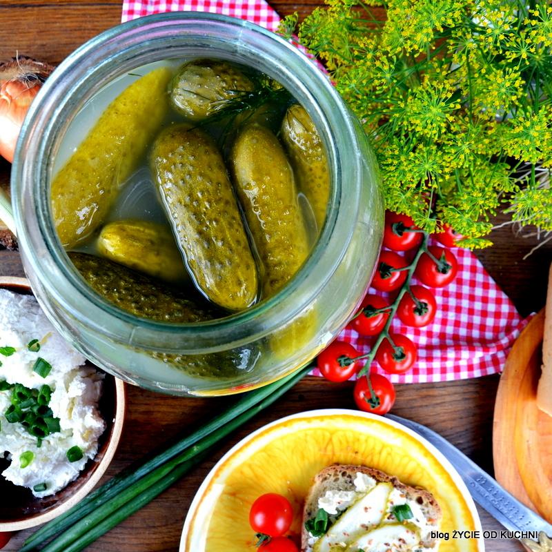 ogórki malosolne, ogorki, sezonowe przepisy, lipiec, lipiec wkuchni, warzywa sezonowe lipiec, lipiec owoce sezonowe lipiec, lipiec warzywa sezonwe, sezonowa kuchnia, sezonowosc, zycie od kuchni, lipiec zestawienie przepisow