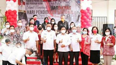 'Kado Hardiknas', Olly Resmikan Bantuan untuk Sekolah di Sulut