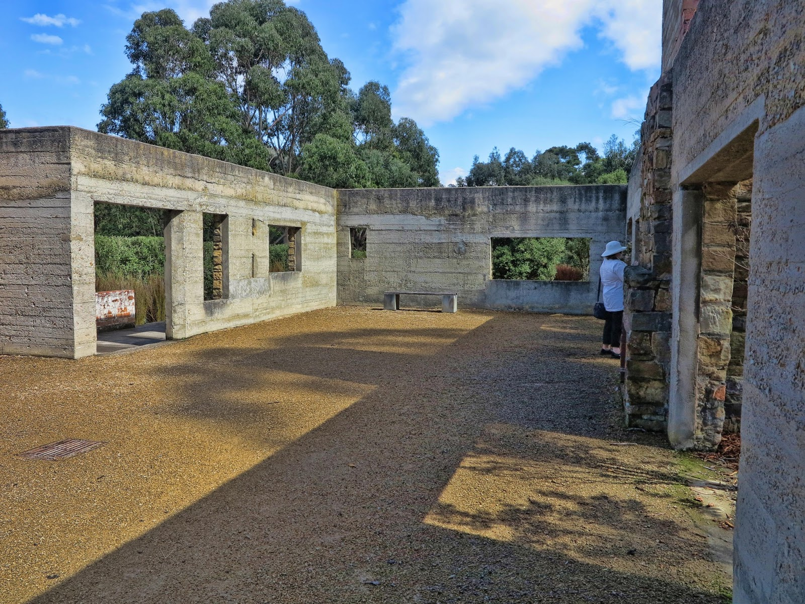 Chasing ghosts in tasmania port arthur - Fear of small space pict ...