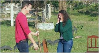 Estudante potiguar que homenageou pais com enxada em festa de formatura grava com Rodrigo Faro