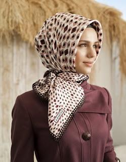 Contoh model hijab kerja kantoran