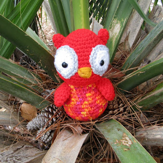 Plush Valentine Owl in handmade crochet