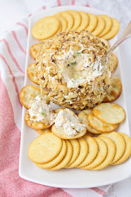 This savory and flavorful bacon cheddar cheeseball is so easy to make, and so delicious. It's the perfect party appetizer!