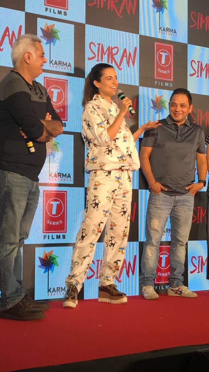 Kangana Ranaut Launches 'Single Rehne De' Song from Simran