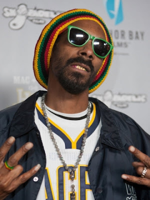 Snoop-Dogg-Changes-His-Name-to-Snoop-Lion