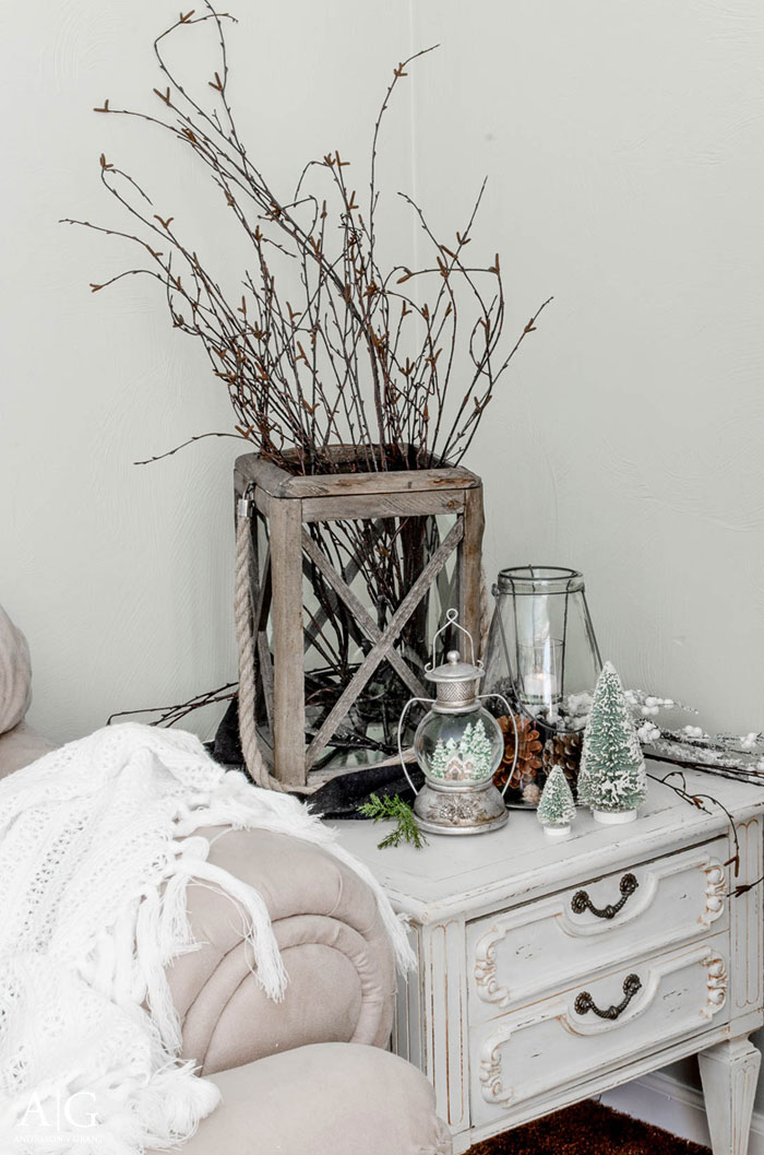 Neutral winter display  |  www.andersonandgrant.com