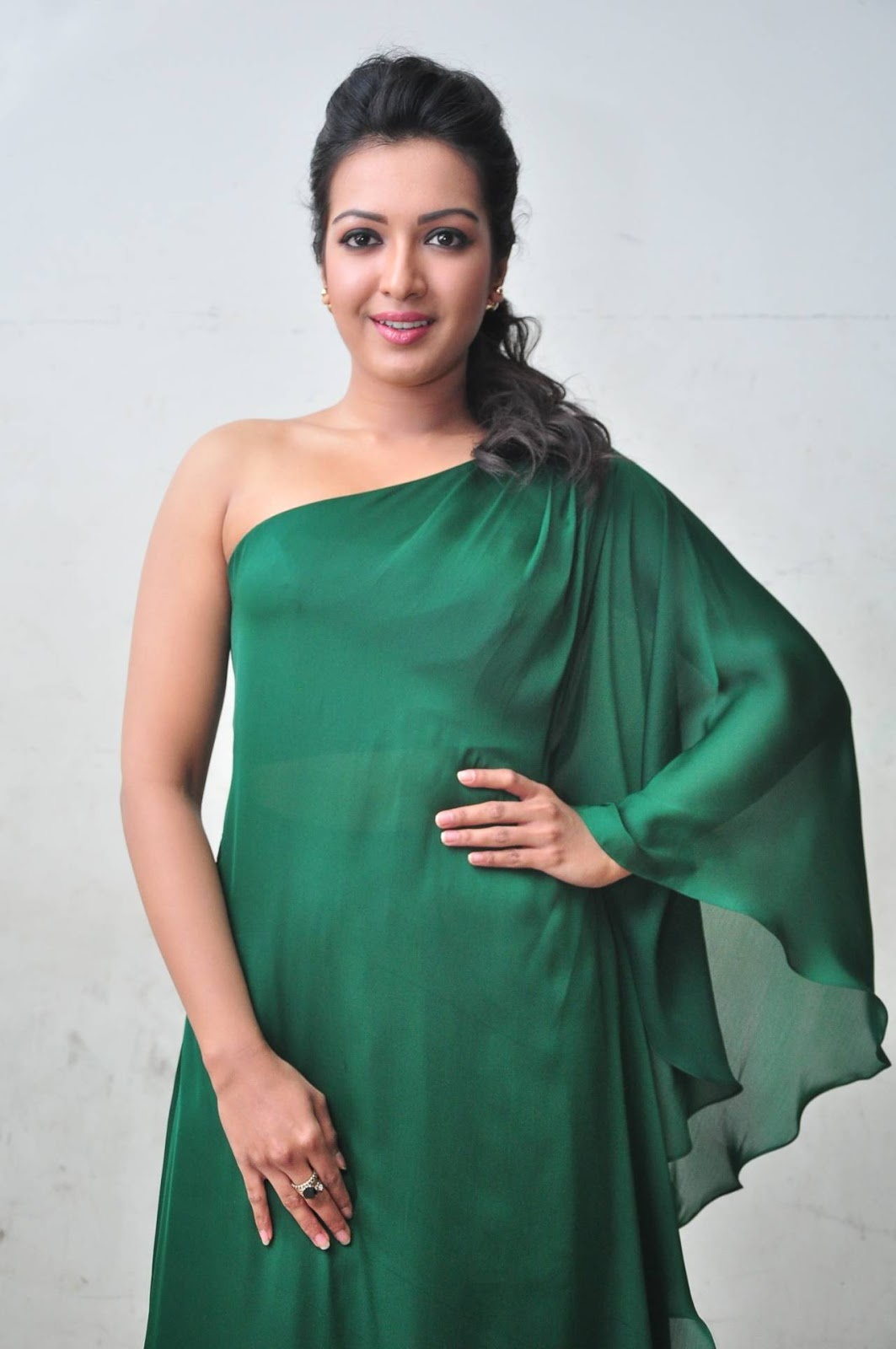 Catherine Tresa Latest Hot Photos In Green Dress