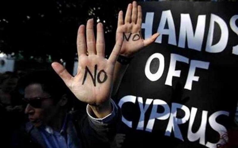 Κυπριακό: Στην κόψη του ξυραφιού