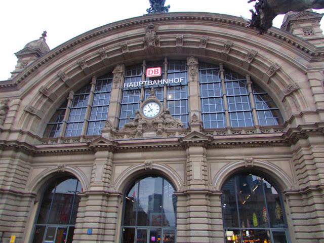 Viagem de trem de Frankfurt a Berlim