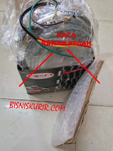 cara packing paket barang yang rawan pecah.