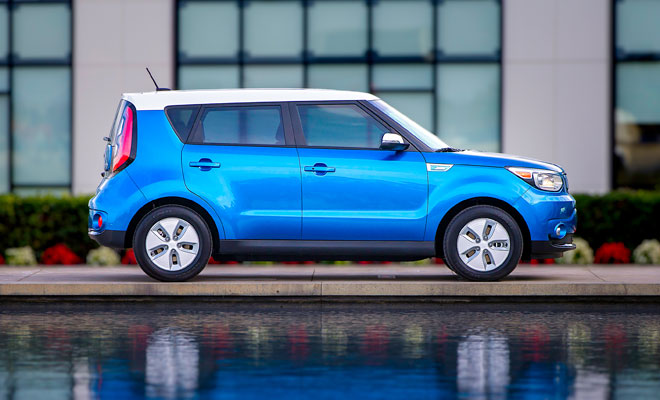 Kia Soul EV side view