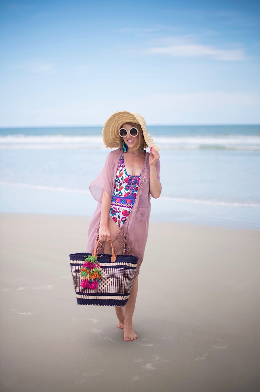 Beach Look- Click through to see more on Something Delightful Blog!