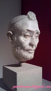 retrato sacerdote serapide guia brasileira - O Altes Museum em Berlim