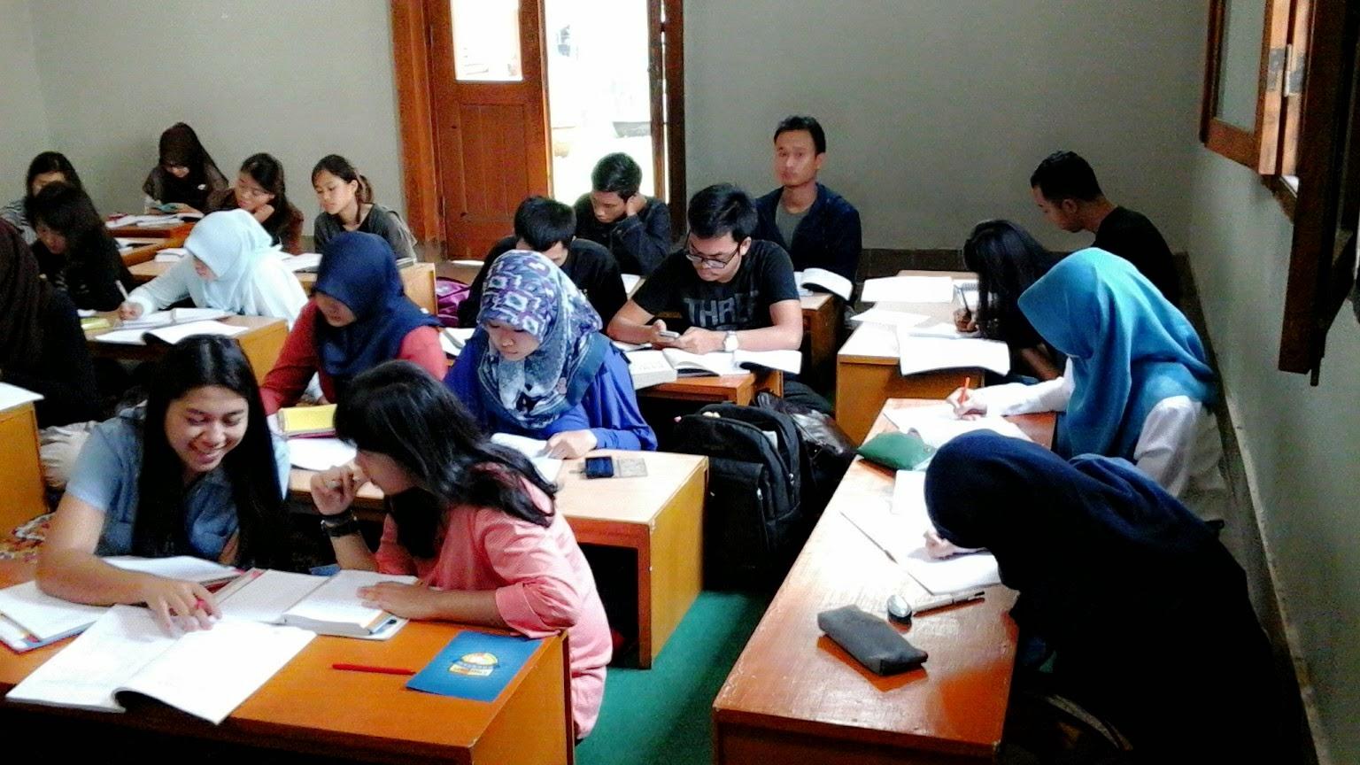 Prestasi Mahasiswa Yang Belajar Di Desa Inggris Bandung