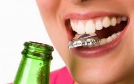 Kebiasaan Yang Dapat Merusak Gigi