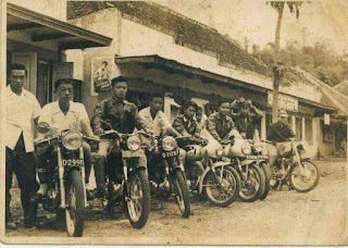 Mereka Pembalap Motor Canggih di Zamannya ... Bandung Era 1954