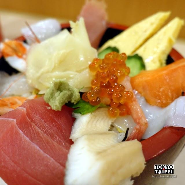 【漁師丼的店】招牌漁師丼 滿到爆出碗外的海產