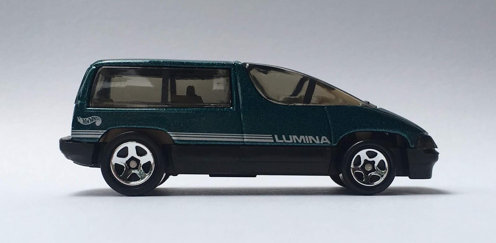 hot wheels chevy lumina [ 1600 x 785 Pixel ]