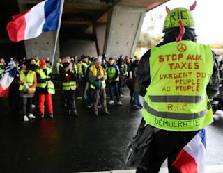Gilets jaunes : Éric Drouet va faire « une pause » Gilets jaunes : le pompier soupçonné d'être un black bloc condamné
