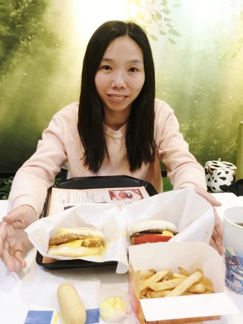 小品在Newdanhurf 扭登和台北松山店~台北松山素食/蔬食麥當勞