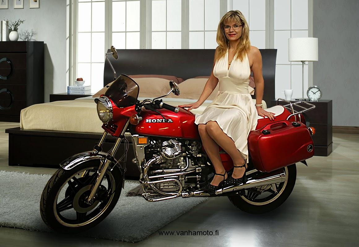 Honda CX 500, Viivi, 50-luvun mekko, korkokengät, ei rintaliivejä, isot rinnat - thin dress, high heels, pumps, no bra, big tits,  Marilyn style dress