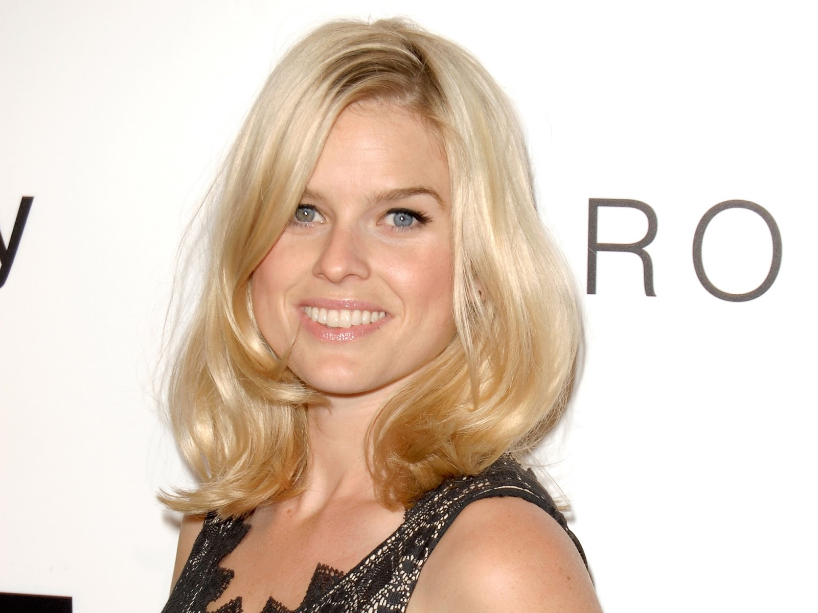 Alice Eve Hot Actress Wallpaper  Hd Wallpapers High -5136