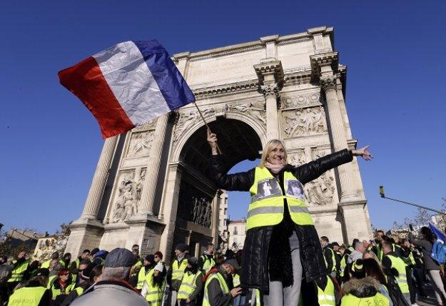 Γαλλία: Τα «Κίτρινα Γιλέκα» κατεβαίνουν ξανά στους δρόμους