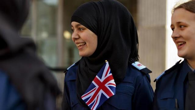 Skotlandia Akhirnya Izinkan Polisi Wanita Pakai Hijab
