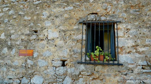 Antiga cela da Fortaleza de Palamidi em Nafplio, Grécia