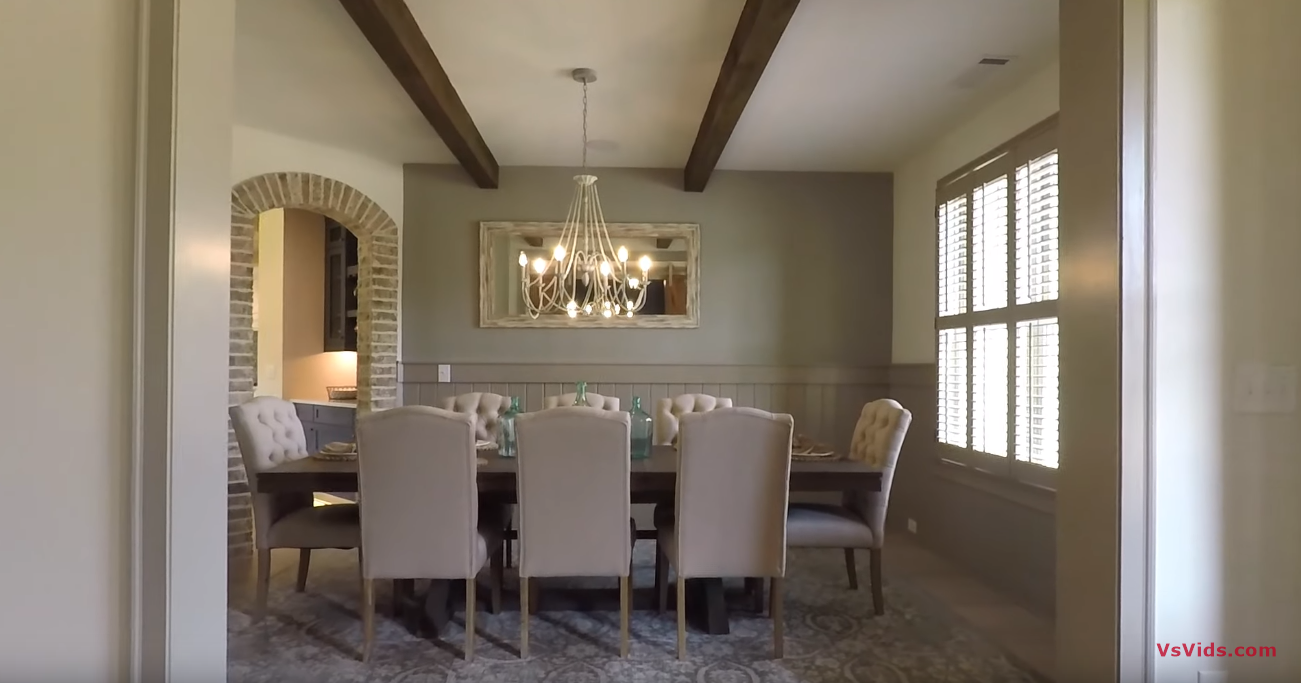 27 Photos vs. A LOOK INSIDE A 5 BDRM DECORATED MODEL HOME NORTH OF ATLANTA - Luxury House & Interior Design Tour