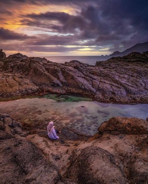 Pantai Wediombo Sunset Terbaik di Jogja