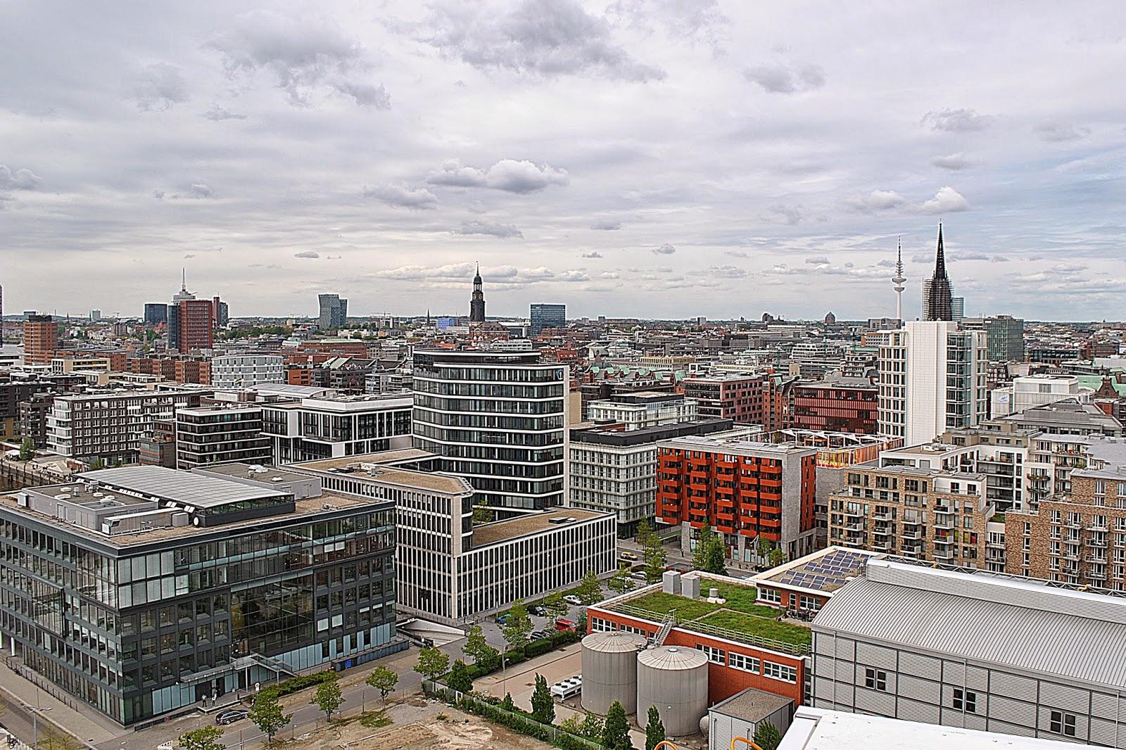 Hamburg, HafenCity, widok z karuzeli