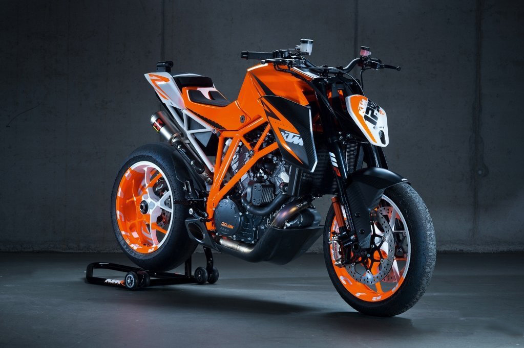 moto i KTM 1290 Super Duke R Prototype